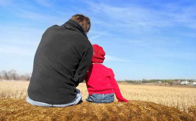 Las mejores enseñanzas financieras que puedes brindarle a tu hijo